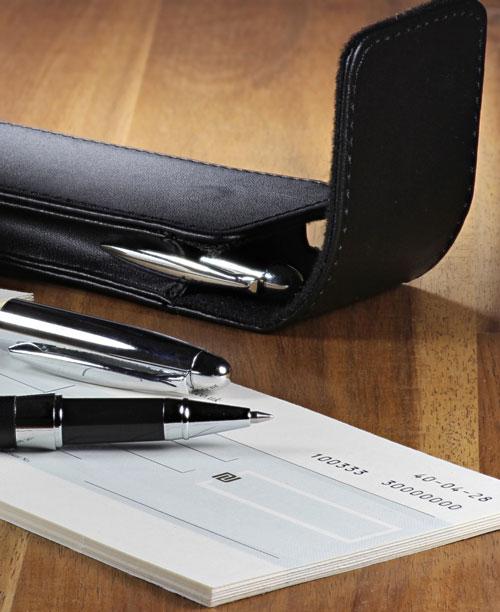 מסמכים במשרד של עורך דין מקרקעין מומלץ באשקלון